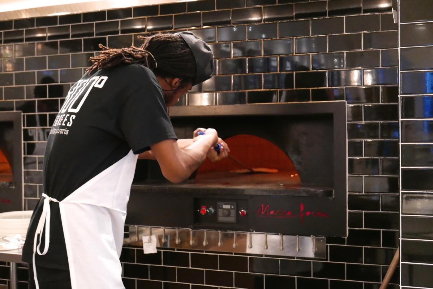 2015_10_08 800 degrees pizza 007