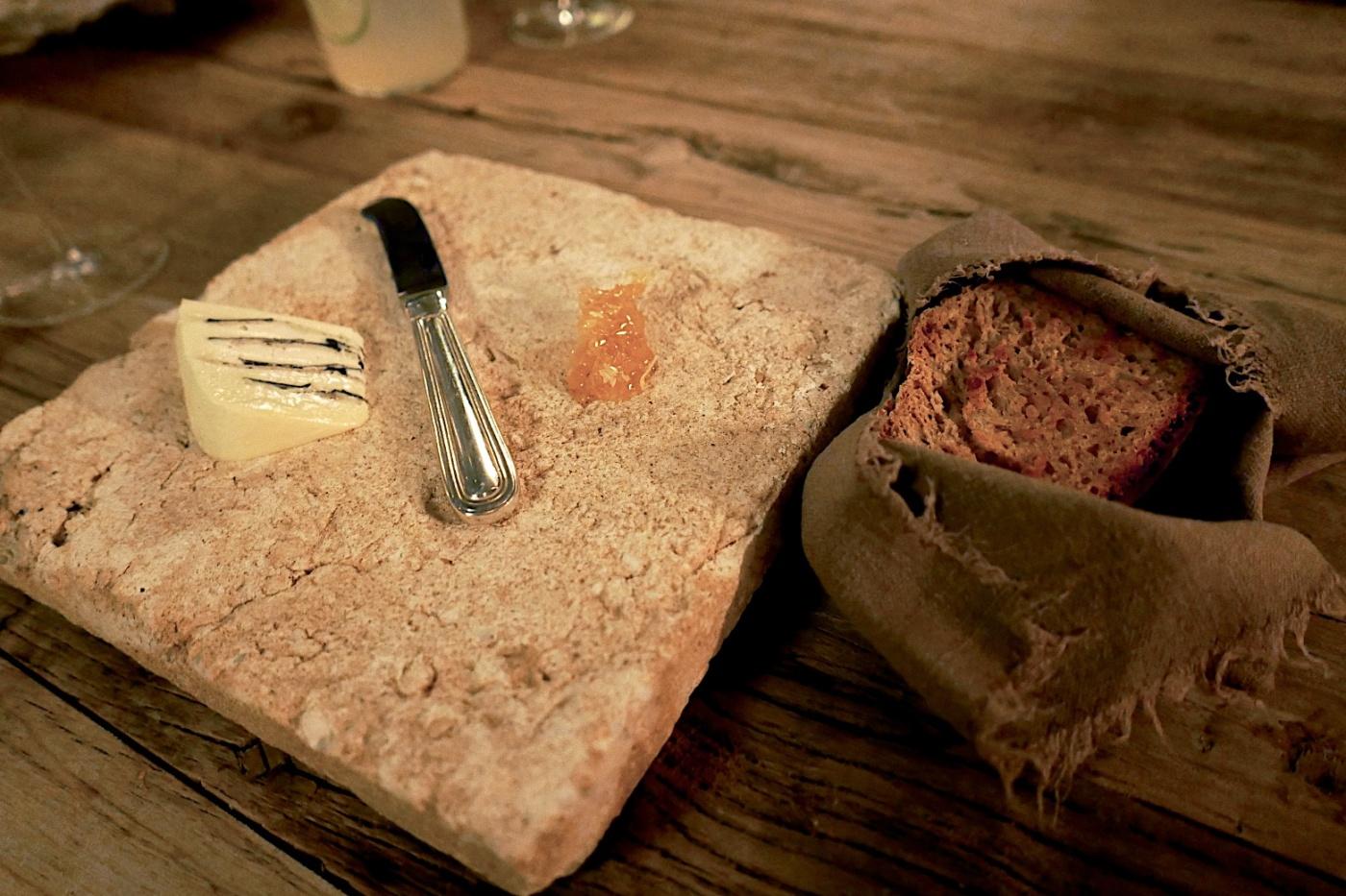 Truffle butter, marmalade, bread