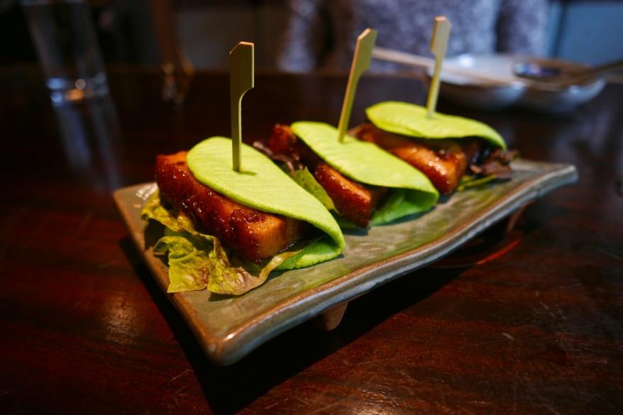 Gua Bao, braised pork belly, spinach steamed bun