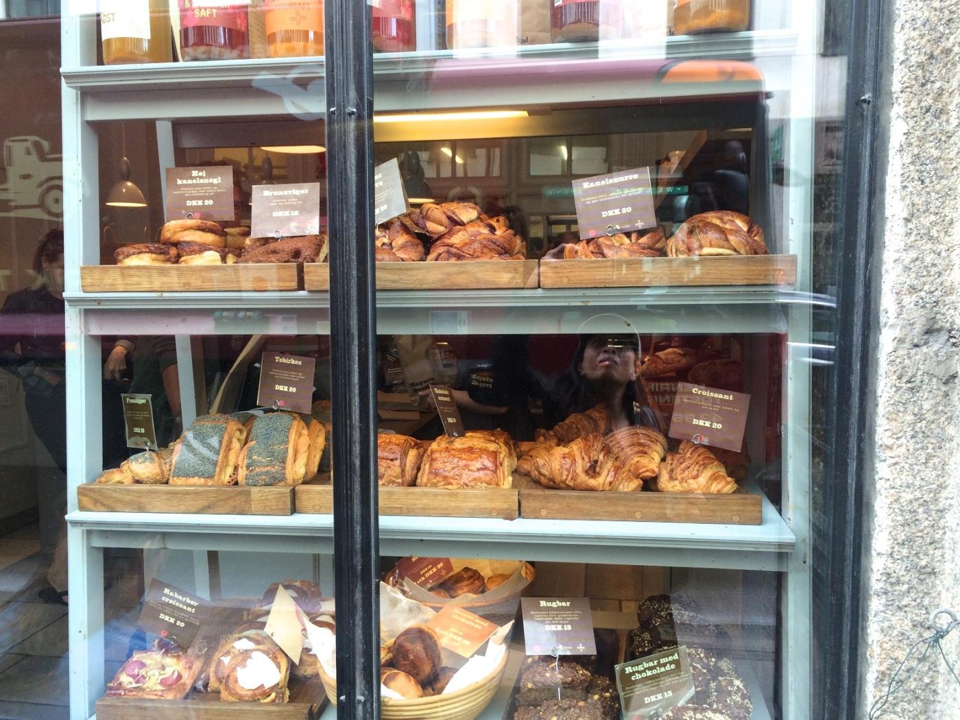 Window display at Meyers Bageri