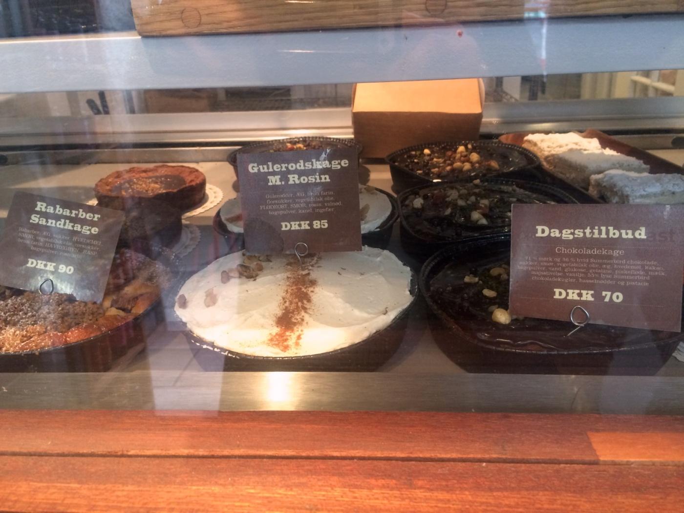 Rhubarb cake, carrot cake, chocolate