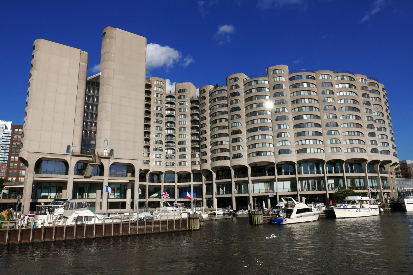 Bertrand Goldberg's River City
