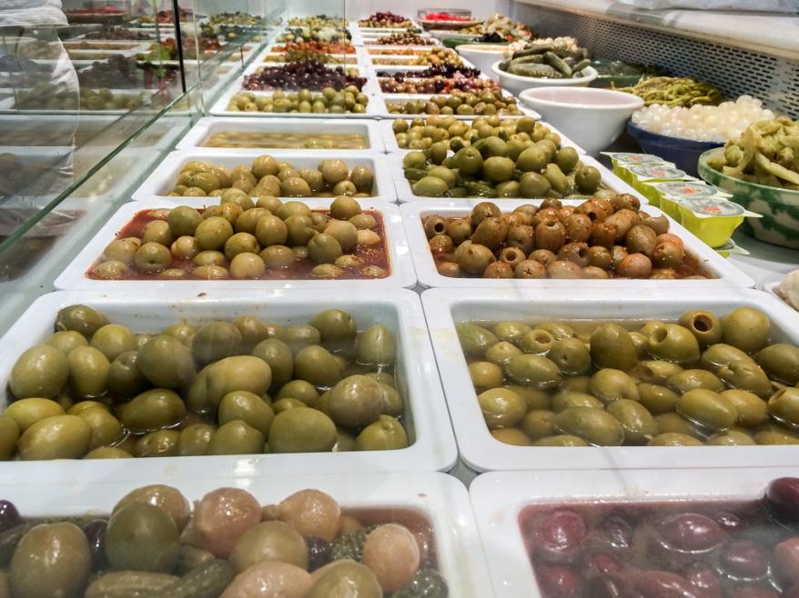 Olives at Mercat del Ninot